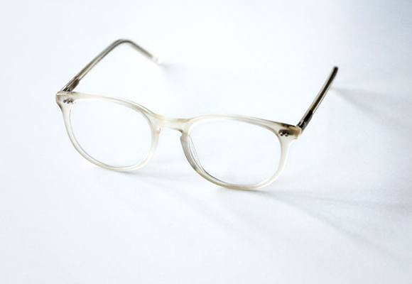 Oval Eyeglasses and Eyeglass Frames Principal