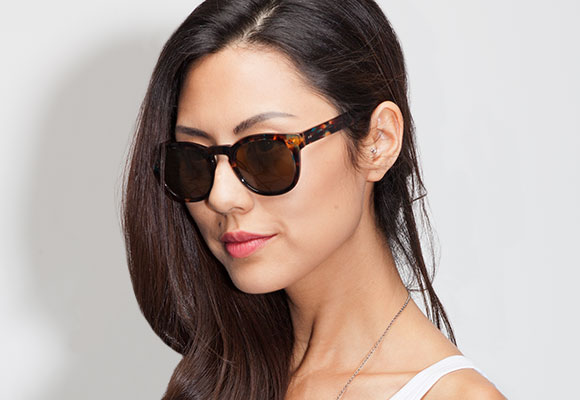 Tortoise sunglasses woman EyeBuyDirect
